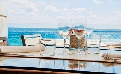 Waterfront Bar and Restaurant for Sale Melbourne