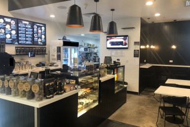 Juice Smoothies Coffee And Cakes  Business  for Sale