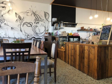 Cafe and Organic Foods  Business  for Sale